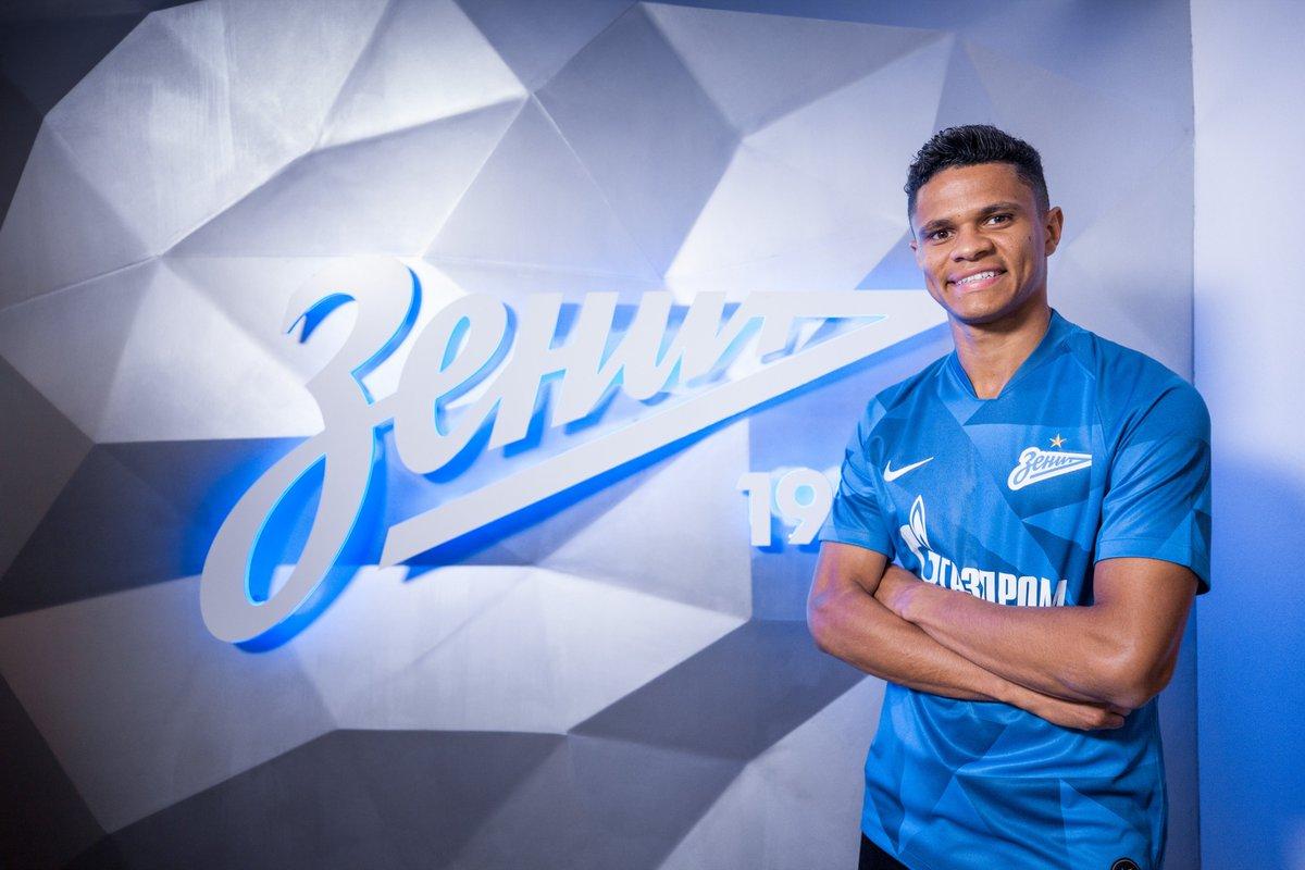 Защитник «Зенита» Сантос развеял стереотипы о россиянах, которые ему навязывали в «Гамбурге» - фото