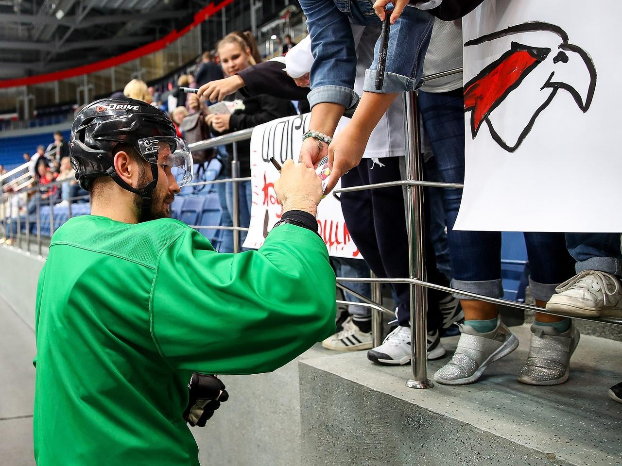 Войнов не исключает возможности возвращения в НХЛ - фото