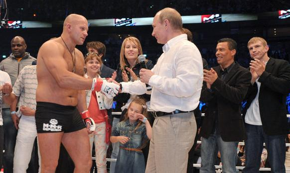 Bellator анонсировал возвращение Федора Емельяненко - фото