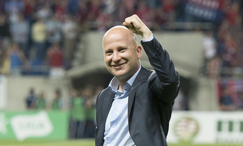 Будущего тренера «Локомотива» назвали расистом. Но это не совсем правда - фото
