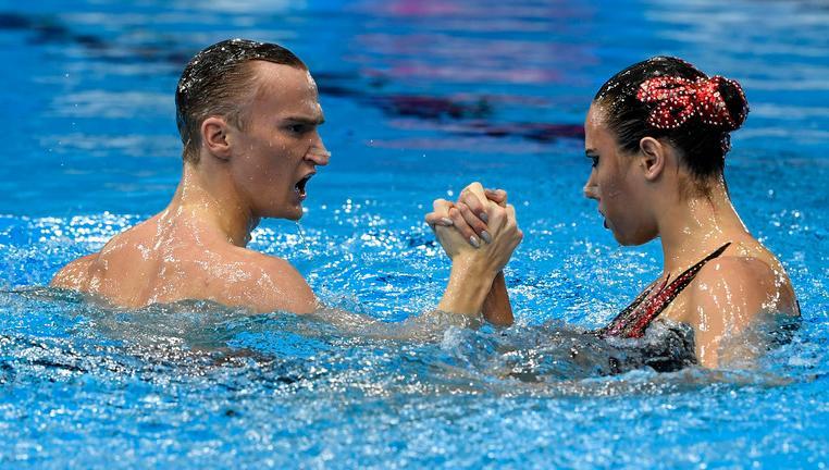 Ищенко выступила за мужское синхронное плавание на Олимпийских играх - фото