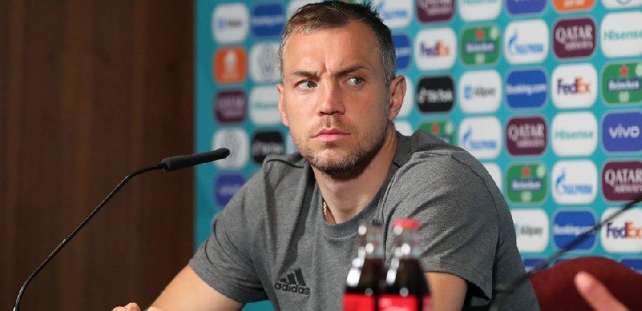 Кафельников считает, что и с Дзюбой, и без него сборная не попадет на чемпионат мира-2022 - фото