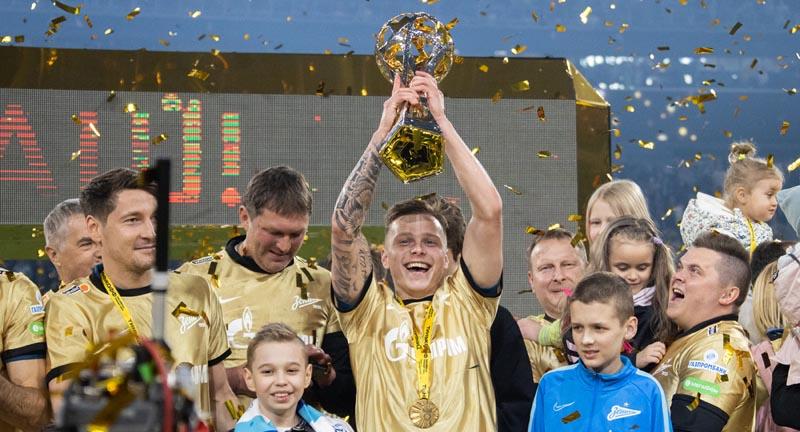«Зенит» завершил турне по городам России с Кубком чемпиона РПЛ - фото