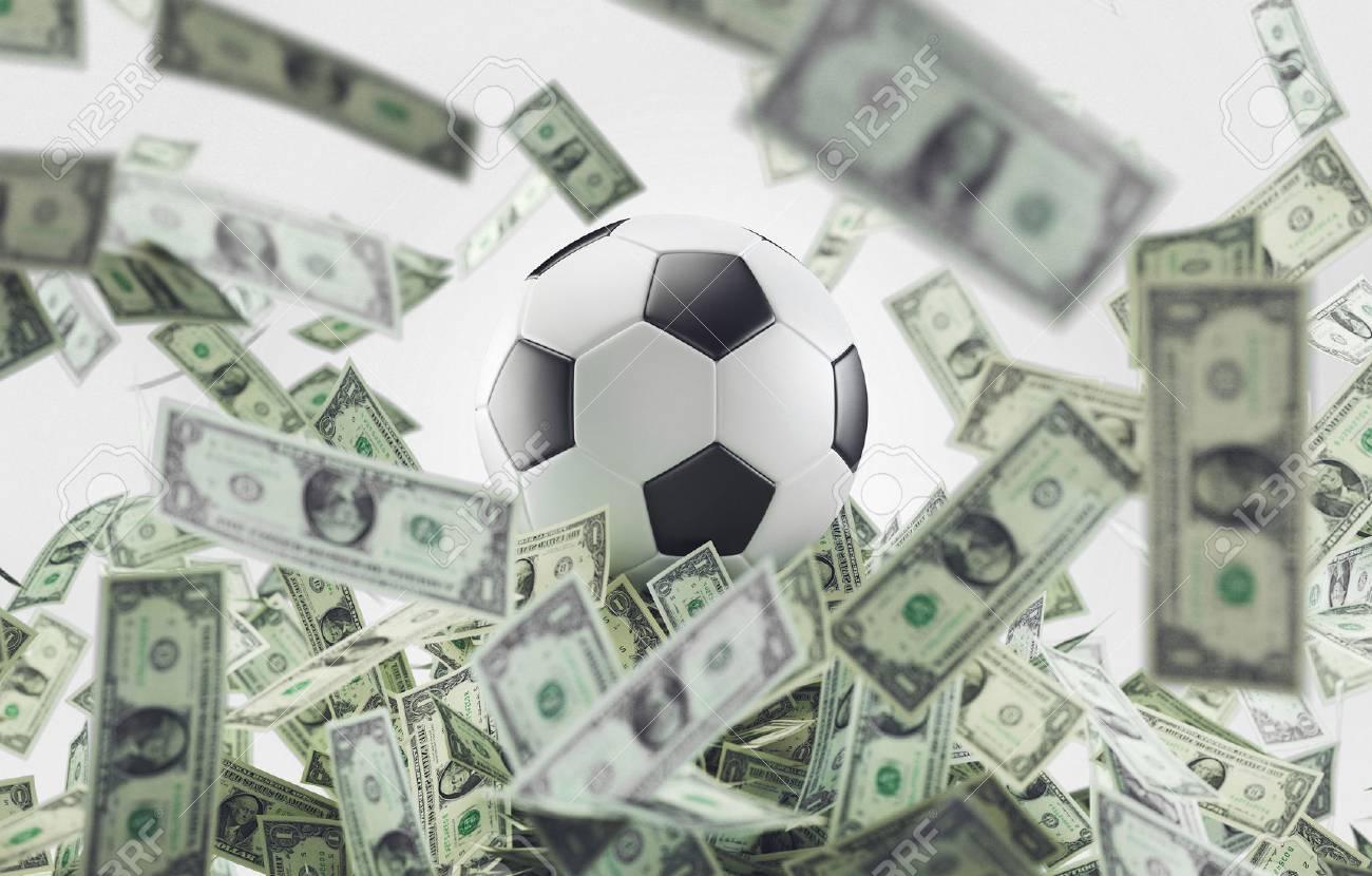 Кому будут платить меньше всего, кому сохранят зарплаты: самые важные цифры по российским и европейским клубам - фото