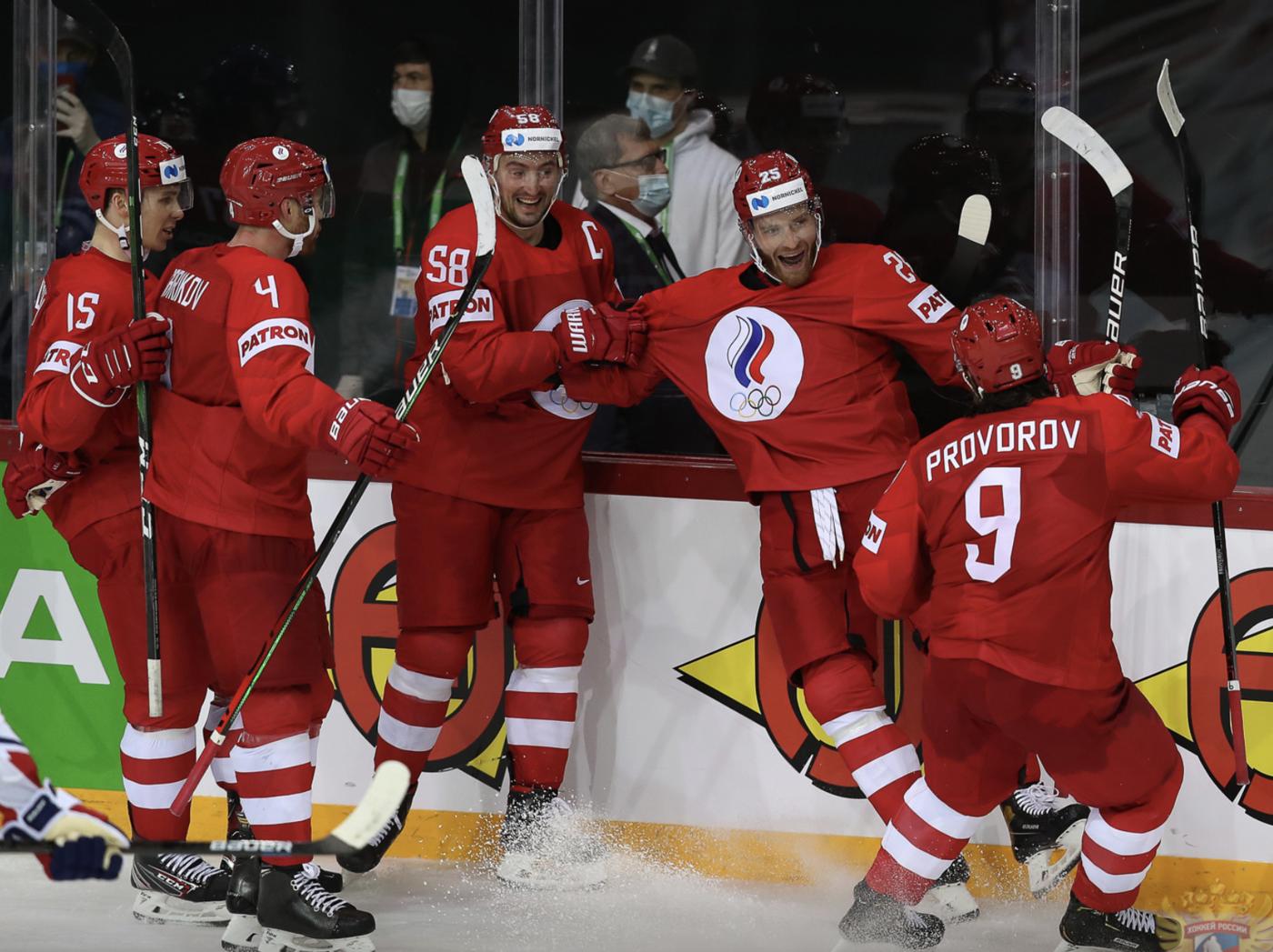 Пресс-атташе Великобритании: команда выйдет на Россию с желанием победить - фото