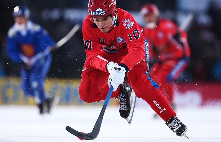 Сборная России по хоккею с мячом сыграет в финале чемпионата мира против Швеции - фото