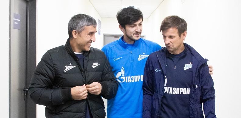 Перед игрой с «Локомотивом» Семак потерял еще и Азмуна. Какие варианты у «Зенита» в атаке без Кокорина? - фото