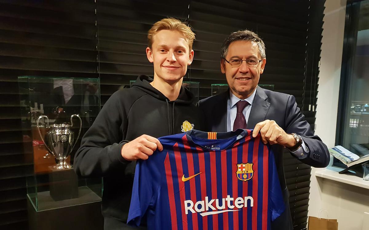 Де Йонг выбрал в «Барселоне» 21-й номер, другому хавбеку каталонцев пришлось подвинуться - фото