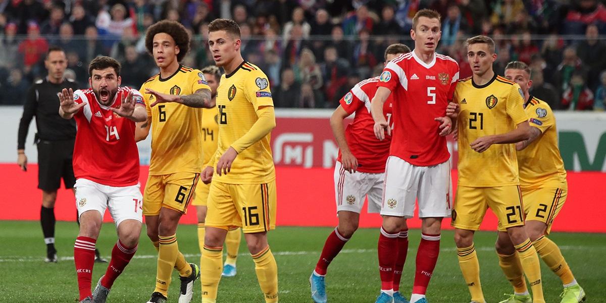 Сборной России на Евро придется играть в три центральных защитника. Но где их взять? - фото