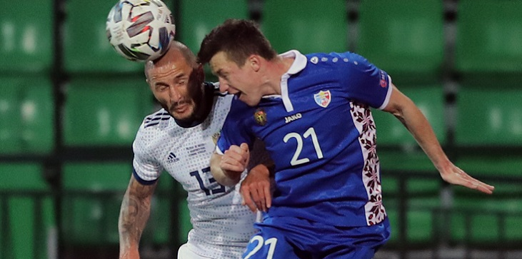 Кудряшов тренируется по индивидуальной программе с бинтовым фиксатором на ноге накануне матча с Бельгией - фото