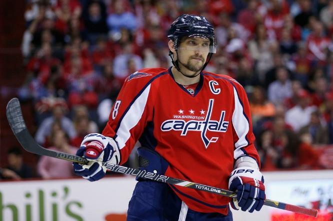 Три российских хоккеиста лидируют в гонке снайперов НХЛ - фото