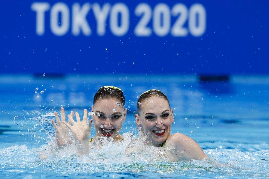 Ромашина  и Колесниченко  завоевали золото в дуэте Олимпиады-2020