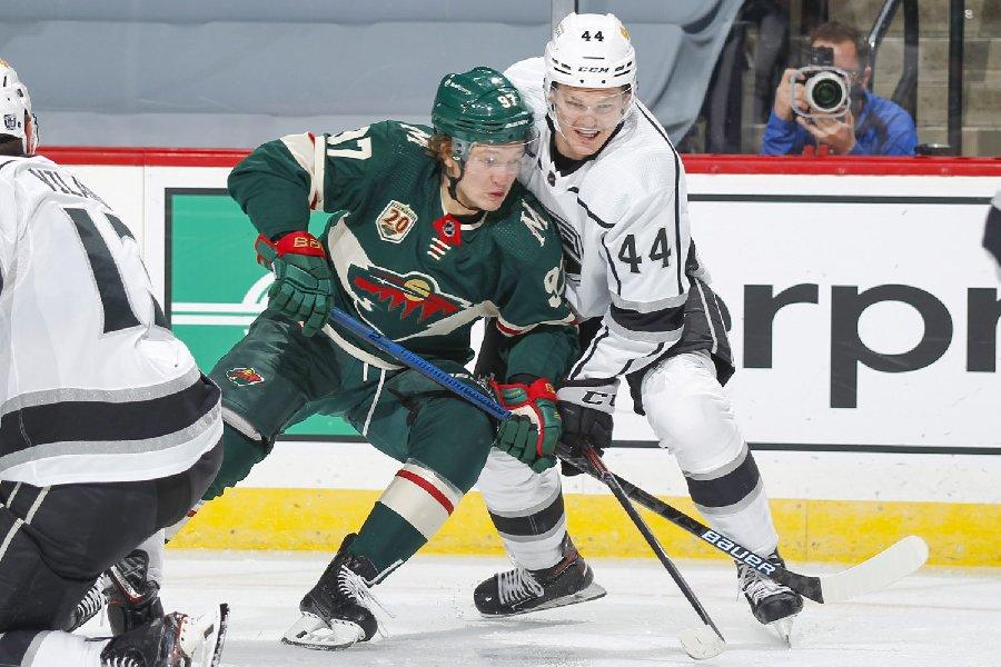 «Лига Ставок» сделала ставку на НХЛ». Игорь Столяров рассказал об историческом контракте с заокеанской лигой - фото