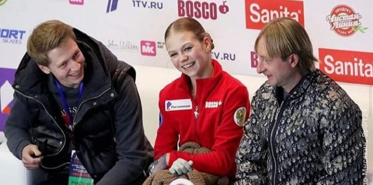Косторная с прокатом без ультра-си проиграла четырем четверным Трусовой на этапе Кубка России в Казани - фото