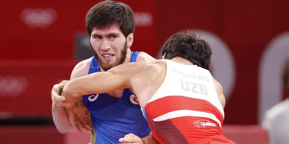 Борец Угуев принес золото сборной России на Олимпиаде-2020