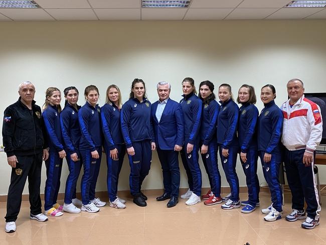 В борьбе только женщины! Невероятные результаты России на Евро - фото