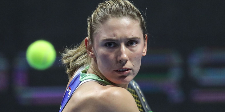 Первая ракетка России Александрова: В отличие от Медведева я, кажется, пока не оправдываю звание - фото