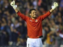 «Валенсия» уступила «Атлетико», несмотря на два отраженных Диего Алвесом пенальти - фото