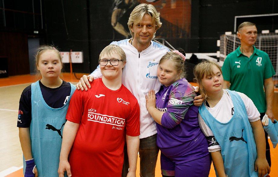 Cине-бело-голубые приняли участие в инклюзивном футбольном турнире «Я в игре» - фото