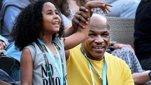 Дочь Тайсона тренируется с наставником Серены Уильямс и Коко Гауфф - фото