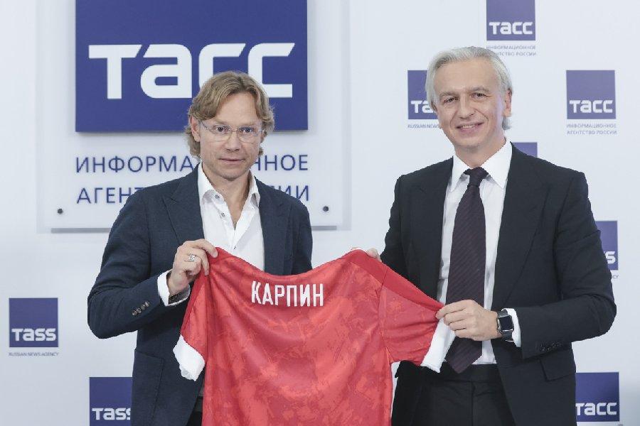 Помощник Путина прокомментировал работу Карпина в сборной России - фото