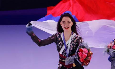 Медведева сообщила, что пока не планирует завершать спортивную карьеру - фото