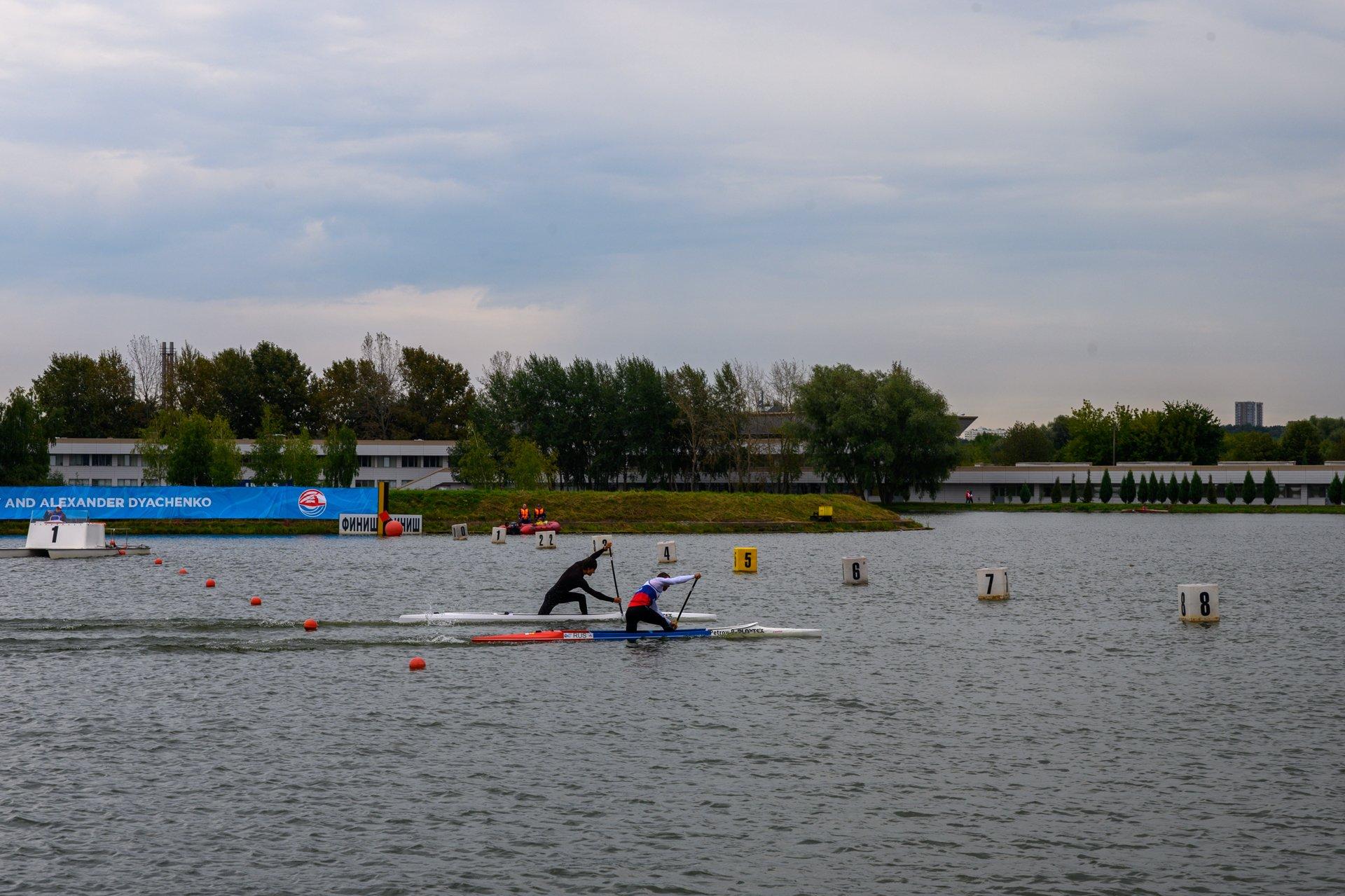 Крупнейшие международные соревнования по гребле на байдарках и каноэ завершились в Москве - фото