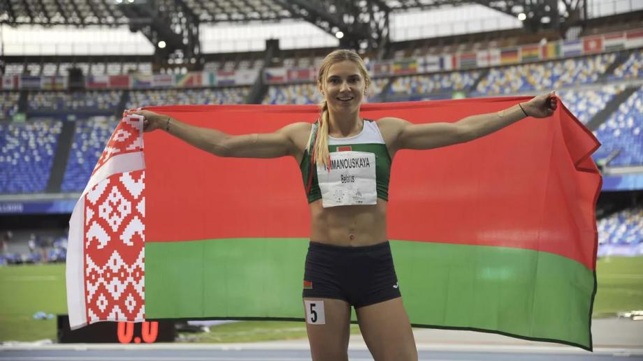 Белорусскую легкоатлетку насильно пытаются увезти с Олимпиады - фото
