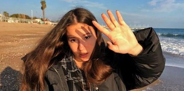 18-летняя теннисистка подала в суд на мать Рублева - фото