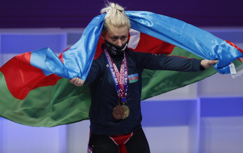 Тренер сборной России обвинил судей после проигрыша золота на Евро - фото