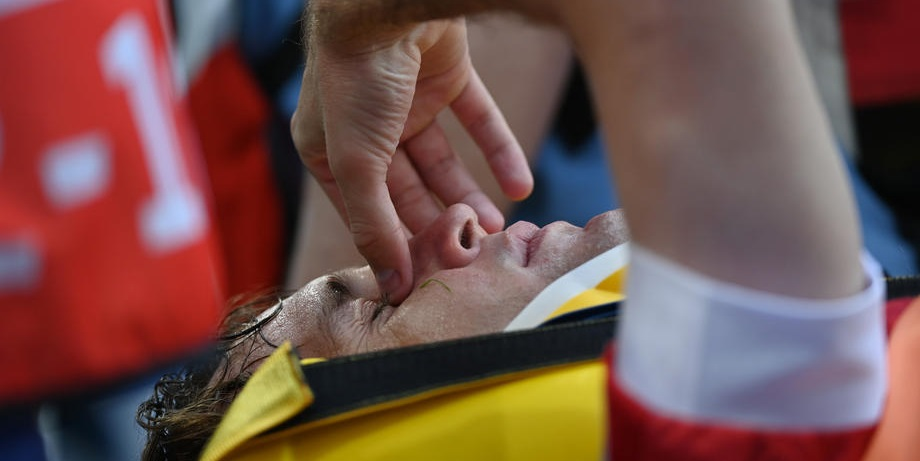 Французский арбитр обслужит матч Россия – Дания, а Фернандес занимается по индивидуальной программе - фото