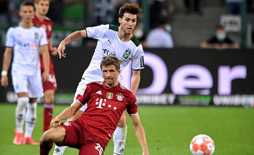«Бавария» начала сезон с ничьей - фото