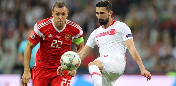 Кафельников предложил футболистам уйти из сборной, если заставят прививаться «Спутником V» - фото