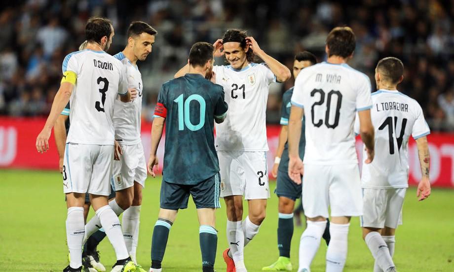 Месси предложили заткнуться и подраться. Эмоциональное возвращение Лео в сборную Аргентины - фото