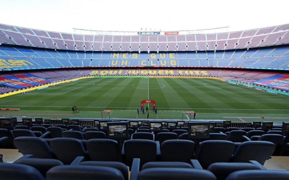 Никаких смартфонов и причесок: «Барселона» взялась за дисциплину в команде  - фото