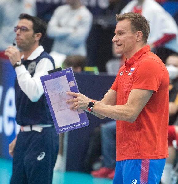Главный тренер сборной России по волейболу подвел итоги группового этапа чемпионата Европы - фото