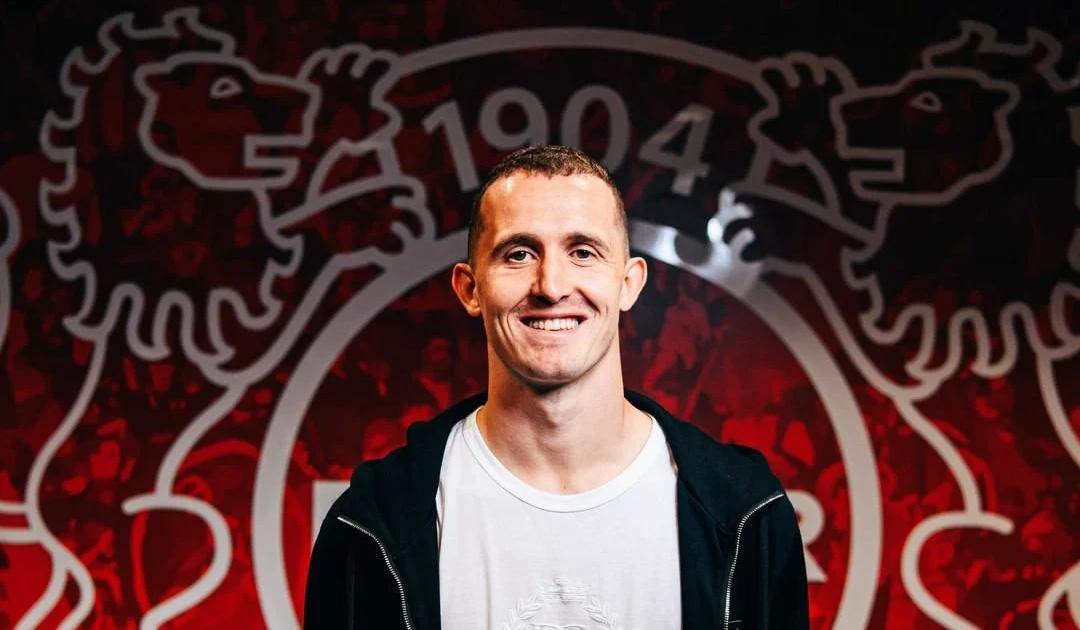 Лунев – о переходе в «Байер»: Я был крайне польщен интересом клуба ко мне - фото