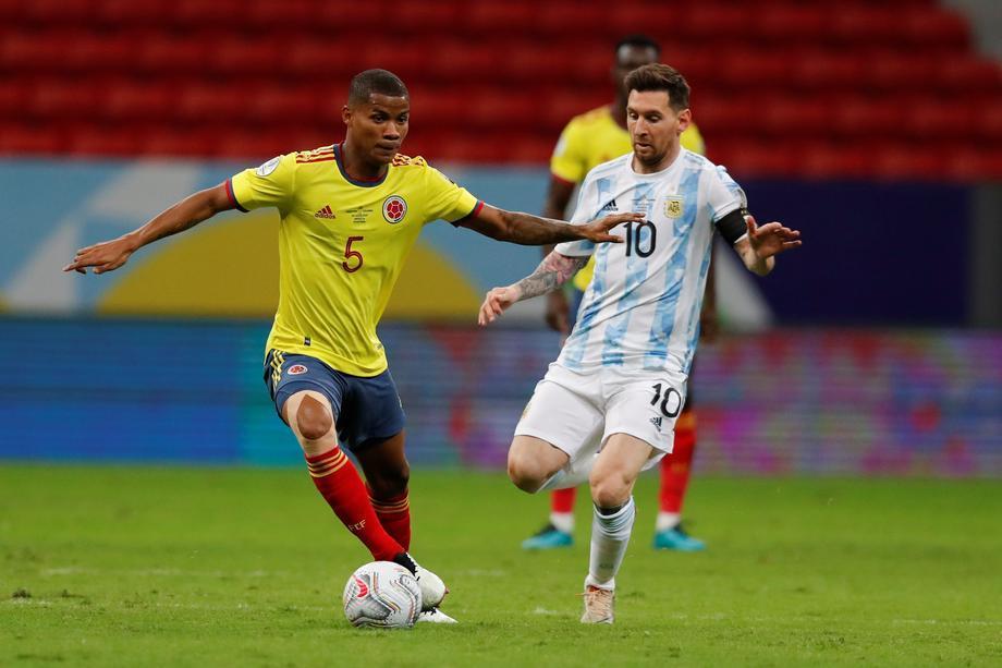 Суперсейв Барриоса – момент дня на Кубке Америки! Колумбия не дала забить Месси, но проиграла вратарю - фото