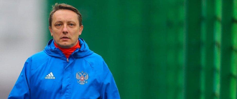 Бывший пресс-атташе сборной России — об увольнении Черчесова: Гораздо логичнее продолжить линию, чем ее ломать - фото