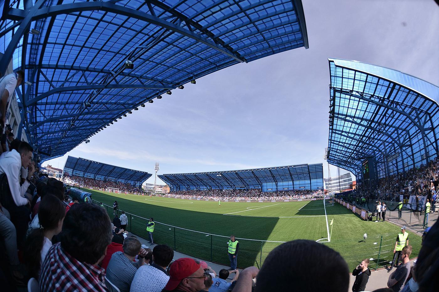 Проблемы «Оренбурга» со стадионом еще не решены, но РФС может изменить регламент - фото