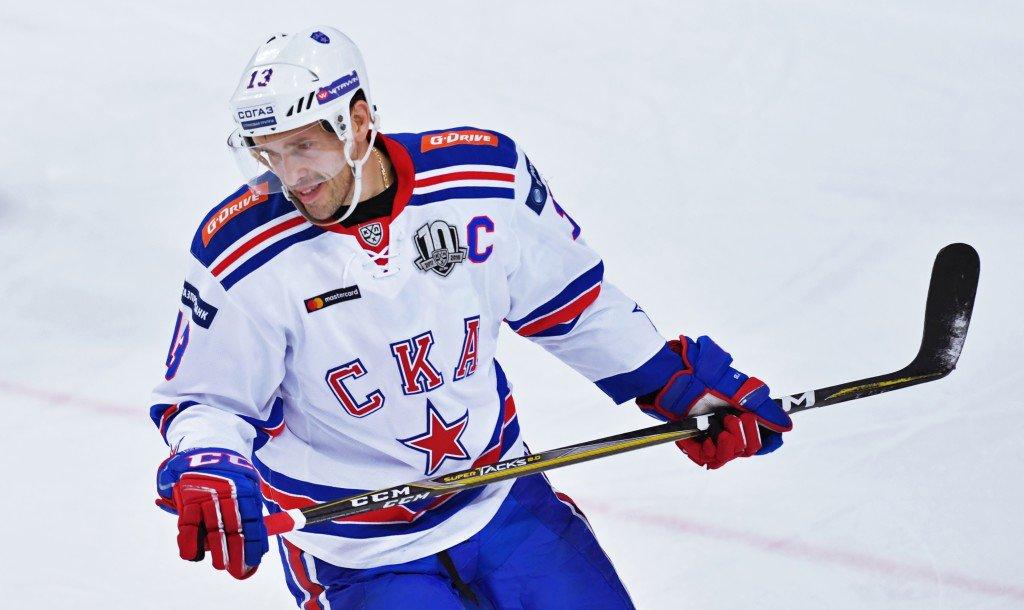 Павел Дацюк продлил контракт со СКА - фото