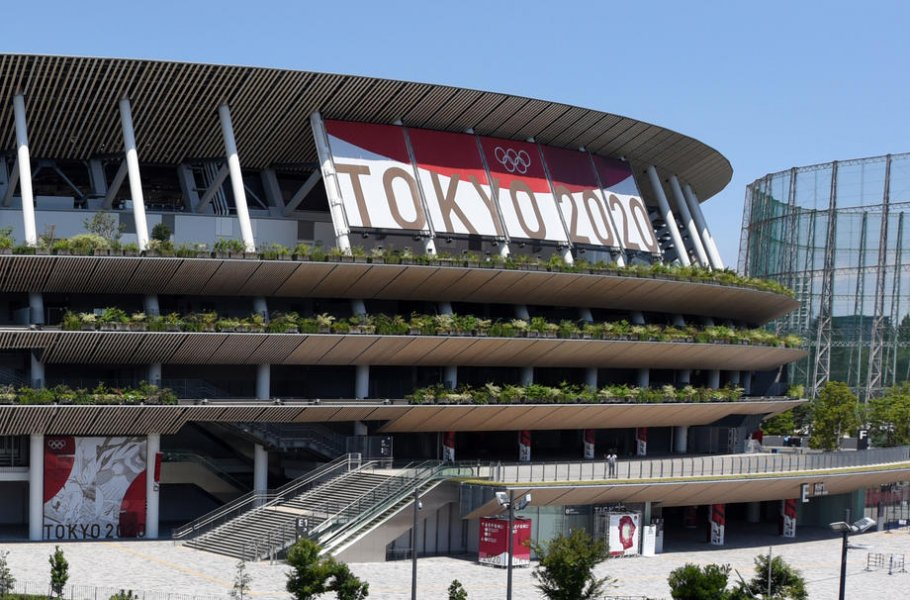 Постановщик церемонии открытия Игр в Токио уволен за антисемитизм - фото