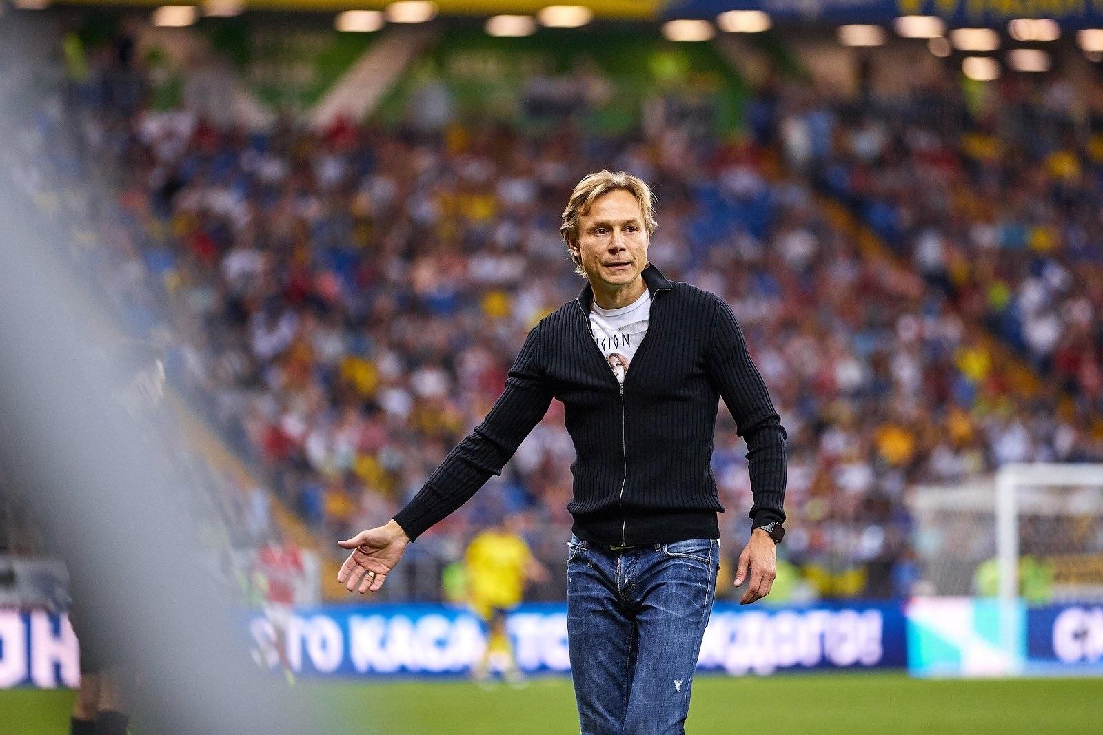 Карпин как тренер сборной России – странный выбор. Его заслуги вызывают сомнение - фото