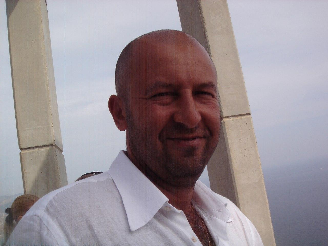 Судья Герман Гребенников: Первым же броском мне выбили ключицу - фото