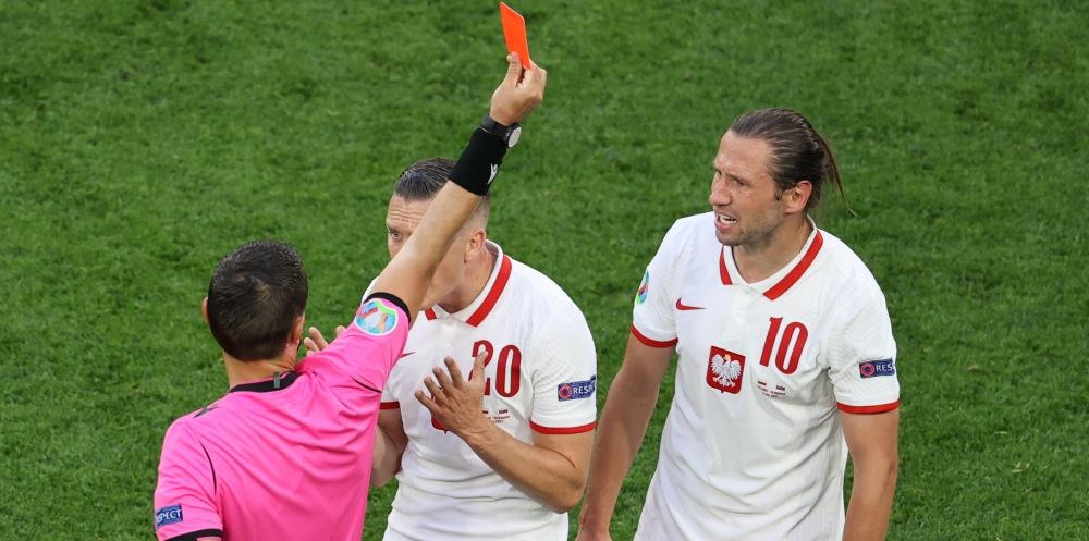 Крыховяк взял на себя ответственность за поражение от Словакии - фото