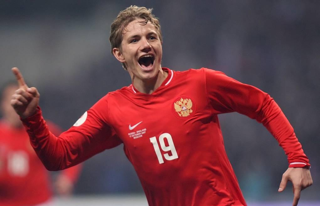 Павлюченко сравнил успешную работу в сборной Хиддинка с нынешней Черчесова - фото
