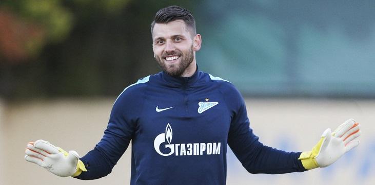 «Лучше закончу карьеру в Греции»: почему экс-вратарь «Зенита» Лодыгин остался без клуба - фото