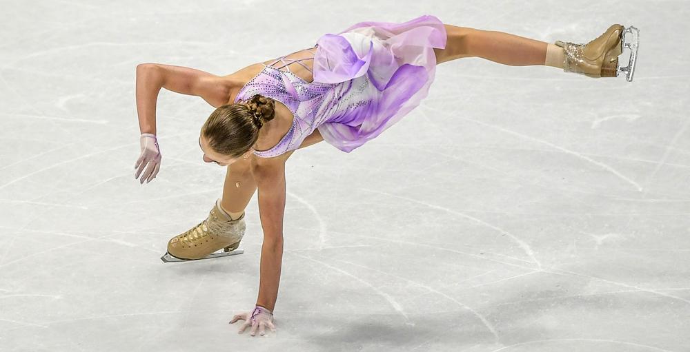 Трусова заняла 12 место в короткой программе на чемпионате мира - фото
