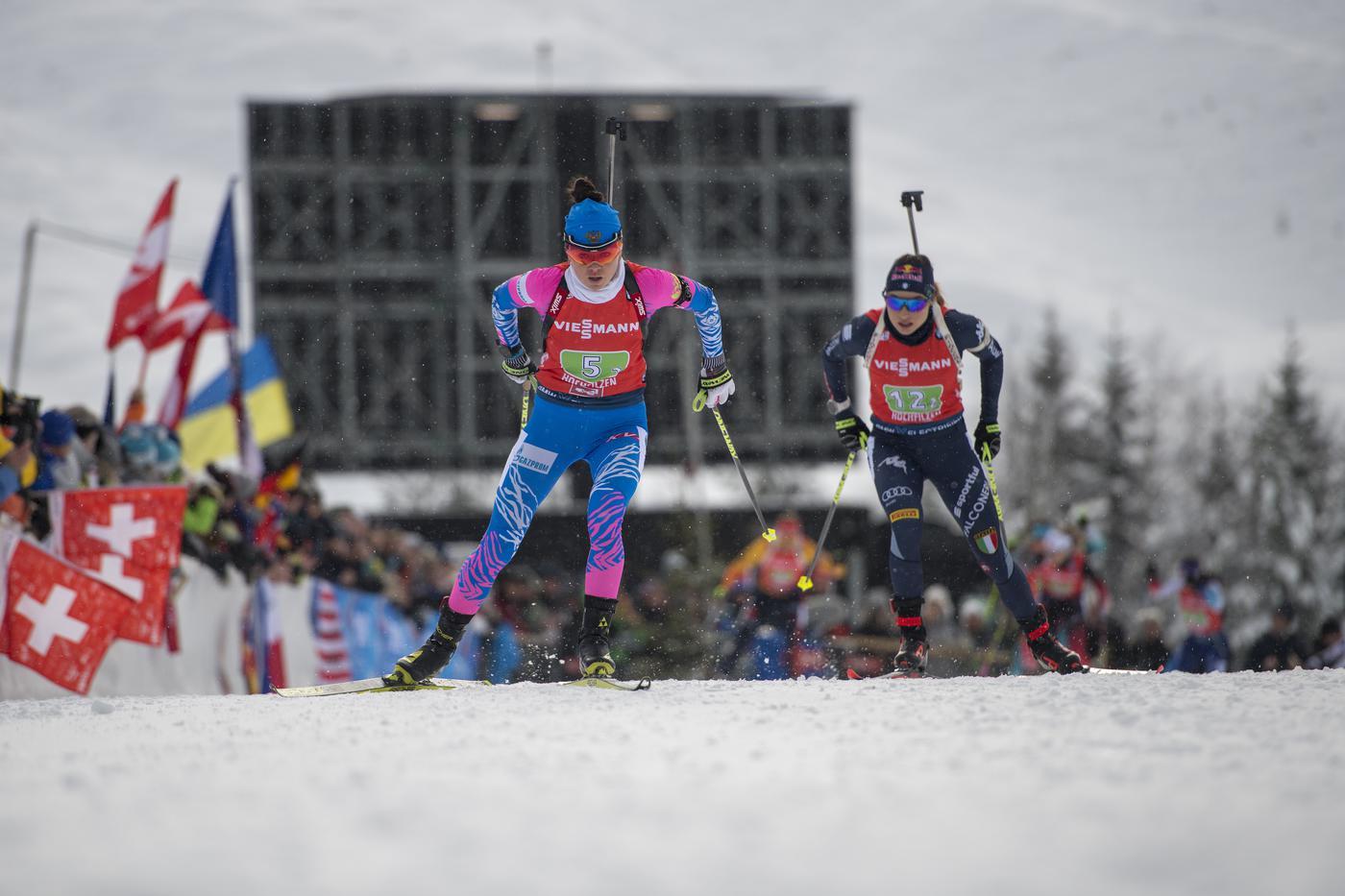 Игнор России и провал в женском спринте на ЧМ по биатлону - фото