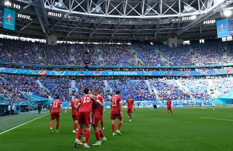 Дюков оценил проведение Евро-2020 в Санкт-Петербурге - фото